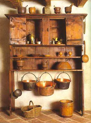 Museo etnografico di valtorta credenza ad alzate con for Oggetti di cucina